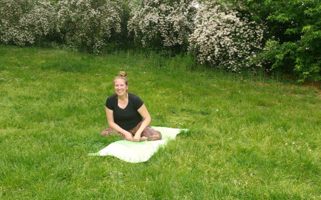 ArTik macht Yoga [3G]